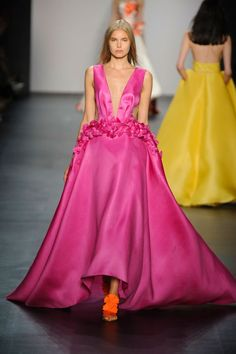 Pin for Later: 135 of Spring's Most Beautiful Red-Carpet-Worthy Evening Gowns New York: Angel Sanchez