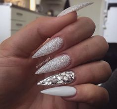 If you're looking for a bold look, stiletto nails are your best choice. The trend of stiletto nails is hard to ignore. Whether you like it or not, stiletto nails will stay. Stiletto nails are cool and sexy, but not everyone likes them. Prom Nails, Long Nails, Vegas Nails, Short Nails, Hair And Nails, My Nails, Opal Nails, White Stiletto Nails, Wedding Stiletto Nails