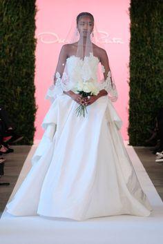 oscar de la renta spring 2015 strapless wedding gown with veil 2015 Wedding Dresses, Designer Wedding Dresses, Bridal Dresses, Wedding Gowns, Dresses 2014, Wedding Trends, Wedding Blog, Dream Wedding, Bridesmaid Dresses