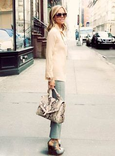 Tory's Blog #streetstyle #toryburch #pastels