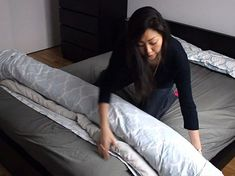This Clever Duvet Cover to put duvet in cover- Trick Will Change Your Life