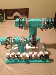 Daca ai prea multe bijuterii si nu stii cum sa le organizezi, priveste aici idei practice Daca ai prea multe bijuterii si nu stii cum sa le pastrezi intr-un mod organizat, priveste aici o multime de idei practice http://ideipentrucasa.ro/daca-ai-prea-multe-bijuterii-si-nu-stii-cum-sa-le-organizezi-priveste-aici-idei-practice/