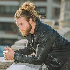 Hipster Haircut For Men Man Bun Hairstyles, Hipster Hairstyles, Hipster Pictures, Guy Pictures, Hairy Men, Bearded Men, Brock Ohurn, Hair And Beard Styles, Long Hair Styles