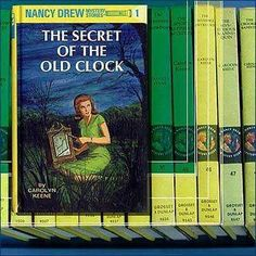 I used to love Nancy Drew as a young girlie. We could collect book stamps at a week at primary school and all of mine went on Nancy Drew books. I used to love the Hardy Boys and Nancy Drew TC series also -. Books For Boys, I Love Books, Good Books, Children's Books, Reading Books, Library Books, Nancy Drew Series, Nancy Drew Books, Photo Vintage