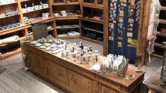 Ohne #Hamburg #Souvenirs geht das nicht, der neue AHOI Souvenir-Shop auf der #Reeperbahn setzt auf Qualität