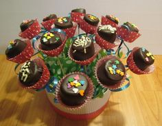 chocolatería gourmet, malvavisco cubierto de chocolate decorado como flor