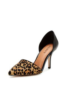 Everly Two Piece Mid Heel Pump