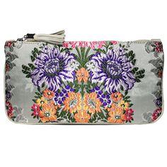 clutch fallera® con detalles florales, realizados en tela de seda color beige. fallera bag with floral pattern. #bag #clutch #bolsohttp://fallera.com/es/bolsos/bc00706-detail