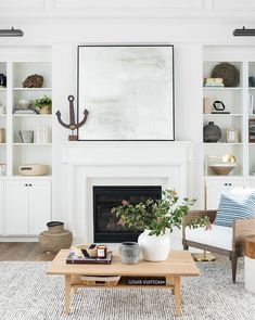coffee table styling #livingroomdécor Estudio Mcgee, Living Room Furniture, Living Room Decor, Decor Room, Living Area, Coastal Living Rooms, Living Room With Fireplace, Mirror Over Fireplace, Home Fashion