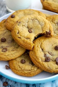 Classic chocolate chip cookies. Soft +chewy and totally addictive! Cookies are one of my food guilty pleasures, I love goingback-to-basics and I thought it was about time share my go-to cookie r...