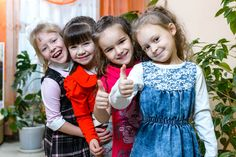 Первая дружба в детском саду останется навсегда! Cute Little Girl Dresses, Cute Young Girl, Cute Little Girls, Girls Dresses, Online Donations, Child Smile, Graduation Pictures, School Photos, Group Photos