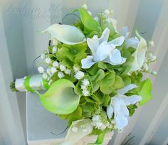 Wedding bouquet calla lilies #Lime #Green #Spring #Wedding … Wedding #ideas for brides, grooms, parents & planners https://itunes.apple.com/us/app/the-gold-wedding-planner/id498112599?ls=1=8 … plus how to organise an entire wedding, within ANY budget ♥ The Gold Wedding Planner iPhone #App ♥ For more inspiration http://pinterest.com/groomsandbrides/boards/  #lime #green #ceremony #reception