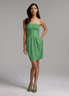 Strapless dress. Not quite the right color, but I like the style, and the pockets!