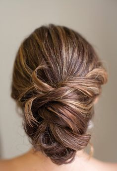 This photo inspired my hairstyle for the wedding.