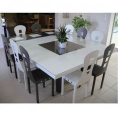 Table de salle a manger carree for Salle a manger table carree rallonge