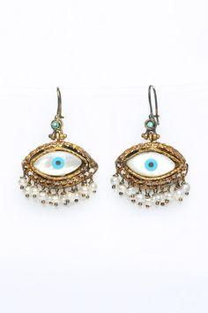 #guard #eyes #earrings #jaime #wittybyprisca