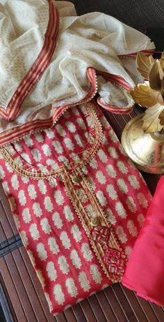 Muslin silk printed shirt Handembroidery on neckline Chiffon foilprint dupattas Grey. Bottom is muslin silk Red bottom is shantoon 🌻🌻🌻 Long Dress Design, Dress Neck Designs, Velvet Suit, Kurta Designs Women, Kanchipuram Saree, Red Bottoms, India Fashion, Woman Clothing, Pakistani Dresses
