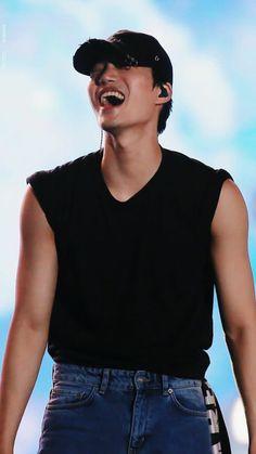Love his smile! Chanyeol, Kyungsoo, Kaisoo, Kim Kai, Kim Minseok, Exo Members, Chinese Boy, Billy Elliot, Boyfriend Material