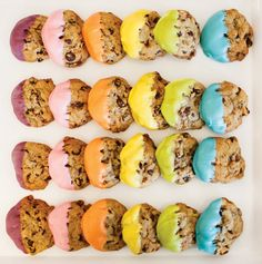 Love these rainbow dipped chocolate chip cookies #delightfuldesserts