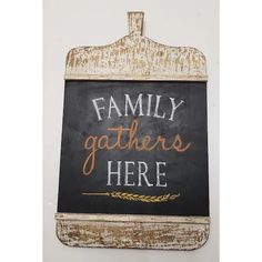 This decorative chalkboard piece can bring your home a harvest look during the autumn season. #decor #fall #halloween