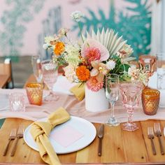 31 Ideas for a Neutral Wedding Color Palette Neutral Wedding Colors, Spring Wedding Colors, Spring Wedding Inspiration, Spring Colors, Wedding Color Schemes, Spring Weddings, Color Schemes Colour Palettes, Wedding Bride, Wedding Flowers