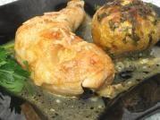 Pulpe de pui în sos de vin Slow Cooker, Shrimp, Chicken, Food, Easy Food Recipes, Essen, Meals, Crock Pot, Yemek
