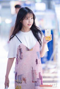 160708 @ Incheon Airport departing for GuangZhou by Spinel 아이유 Kpop Fashion, Korean Fashion, Fashion Models, Fashion Beauty, Fashion Outfits, Cute Korean, Korean Girl, Beautiful Girl Image, Korean Actresses