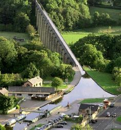 Pontcysyllte Aqueduct and Canal, Wrexham, Wales, UK Places To Travel, Places To See, Canal Boat, Canal Barge, Narrowboat, Snowdonia, England And Scotland, Grand Canal, Places Of Interest
