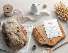 Bread Packaging, Coffee Packaging, Different Types Of Bread, Mockup Creator, Cosmetics Mockup, How To Store Bread, Bakery Branding, Business Card Mock Up, Mockup Templates