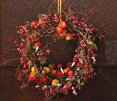 Herbstkränze selber machen: Fröhlicher Herbstkranz - [LIVING AT HOME]