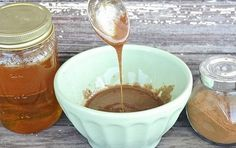 So here you go with 15 refresh DIY face mask ideas which include the healthy and natural things oranges, bananas, sugar, chocolate and oats etc. Diy Mask, Diy Face Mask, Face Masks, Nutmeg Face Mask, Diy Beauty Routine, Honey And Cinnamon, Trends, Pumpkin Spice, Health And Wellness