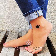 SMALL BLACK STAR CODE:1.10.5. Handmade lasercut bracelet with a star made of plexiglass, Size:3x3cm.