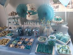 Mesa bautizo temáticas para fiestas день рождения y рождение. Baby Shower Buffet, Baby Shower Desserts, Boy Baby Shower Themes, Baby Boy Shower, Candy Bar Comunion, Baby Shower Pictures, Bar A Bonbon, Candy Bar Party, Gender Reveal Party Decorations