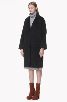 Lip pocket detailed llama blend wool coat
