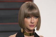"Taylor Swift's ""New Romantics"" Lyrics Meaning Show How Well She Understands Her Fans - Bustle"
