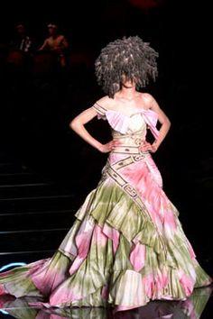 Christian Dior Spring 2002 Couture Fashion Show - Ling Tan, John Galliano
