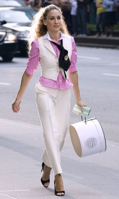 Carrie Bradshaw Wearing A Pink Short By Thomas Pink With A Cream Waistcoat Suit ,SATC The Movie