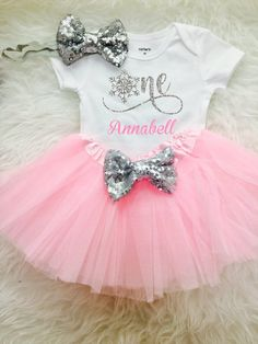 Winter Onederland Birthday Outfit Snowflake One Birthday Outfit First Birthday Tutu Outfit Birthday Outfit Winter Wonderland Birthday by FunMunchkin on Etsy First Birthday Winter, Winter Wonderland Birthday, First Birthday Tutu, 1st Birthday Shirts, 1st Birthday Outfits, Birthday Gifts, 1st Birthday Themes Girl, Baby Girl Birthday, Birthday Ideas