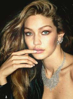 "Gigi Hadid - Messika's ""My Twin"" Jewelry Campaign Gigi Hadid Style, Outfits, Clothes and Latest Photos. Style Gigi Hadid, Bella Gigi Hadid, Gigi Hadid Eyes, Img Models, Hollywood, Blond, Gigi 2, Style Rock, Campaign Fashion"
