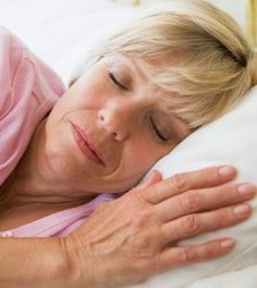 According to new study, middle aged or elderly people who have 6 to 9 of sleep during night think better than people who sleep for few or more hours. This study