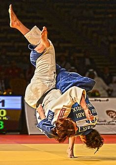 Now THAT is an uchi mata... Wow.