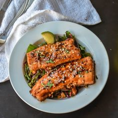 It's loaded with garlic, sweet and heat that tastes a million times better than take-out. Spicy, crispy, sweet with ginger and garlic flavor. Truly finger licking salmon, and also one of those dish…