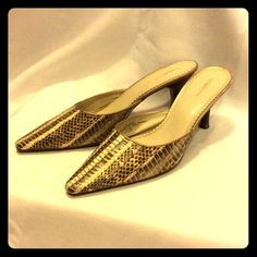 Liz Claiborne snakeskin heels. Super cute slip on low heels. All leather with snakeskin pattern. Good condition. Really cute with jeans! Liz Claiborne Shoes Heels