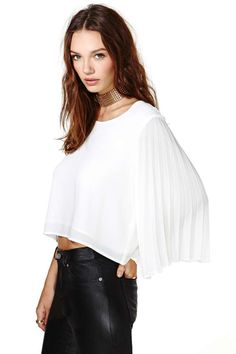 Line and Dot Sunburst Pleat Top at Nasty Gal