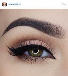 Natural look miaumauve on Instagram