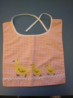 Vintage 1950s Baby Bib Embroidered with sweet duckies