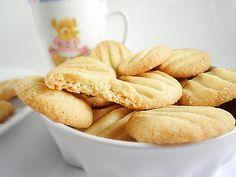 Galletas de mantequilla a la naranja-  ¿Qué mejor para merendar que unas recién hechas GALLETAS DE MANTEQUILLA? ummm ya huele desde aquí…toma nota de ésta rica receta.
