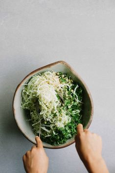 cabbage, coriander + sesame winter slaw Kohl, Koriander + Sesam Winter Krautsalat – My Darling Lemon Thyme Raw Food Recipes, Vegetable Recipes, Salad Recipes, Vegetarian Recipes, Cooking Recipes, Healthy Recipes, Coleslaw Recipes, Crockpot Recipes, Chicken Recipes