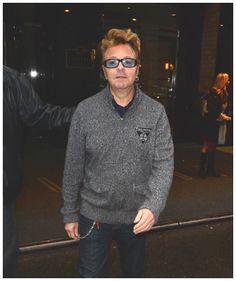 ♫'''Singer Brian Setzer is seen walking to is bus in Midtown' on December 2, 2015 in New York City. December 02, 2015| Crédits : Raymond Hall...☺...'''♫ http://www.gettyimages.fr/detail/photo-d'actualit%C3%A9/singer-brian-setzer-is-seen-walking-to-is-bus-in-photo-dactualit%C3%A9/499715726