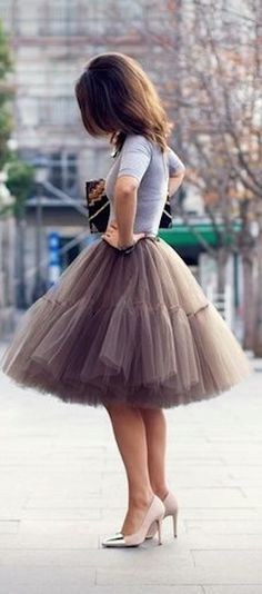 love this full tulle skirt! http://rstyle.me/n/ncmr5r9te